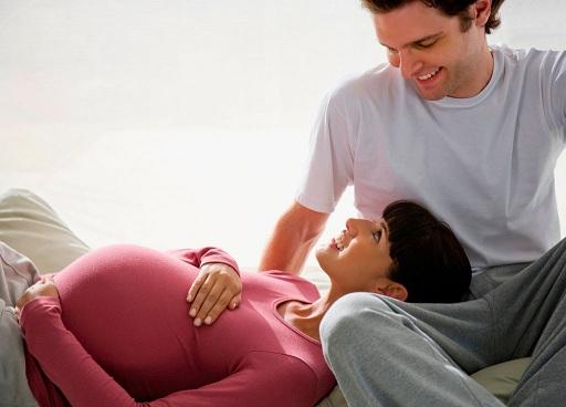 صحبت کردن با همسر در دوران بارداری