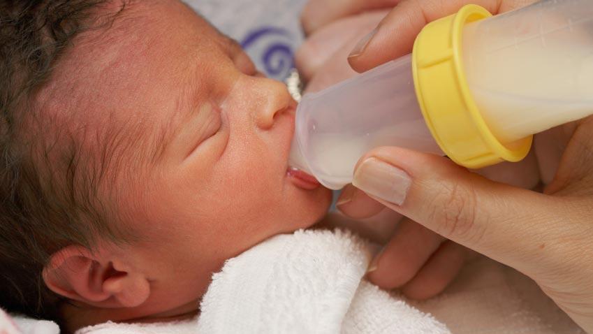 شیردهی-نوزاد-نارس-بیمار