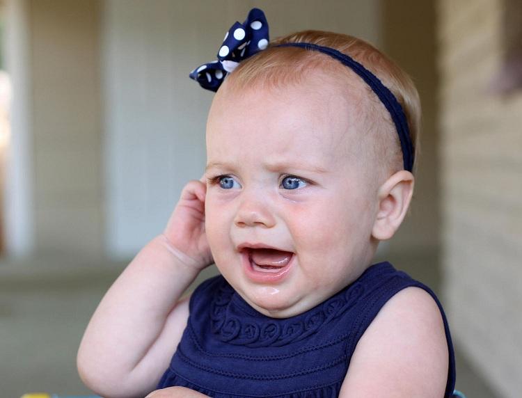 چند مشکل متداول شیر خوردن نوزاد