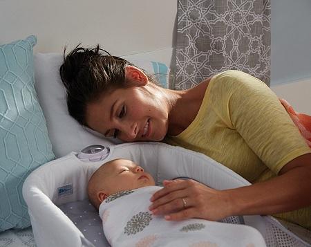 نیاز نوزاد به حضور مادر