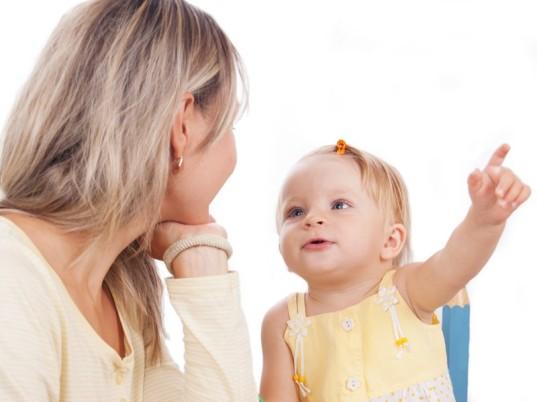 حرف زدن کودک کی و چگونه شروع میشود-از یک تا دو سالگی