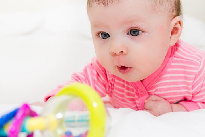 رشد ذهنی نوزاد از بدو تولد تا شش ماهگی
