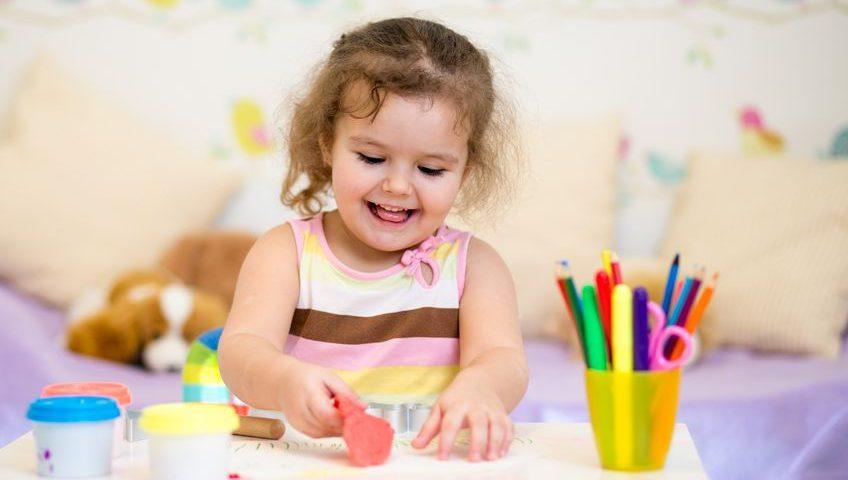 رشد مهارت های دستی کودک