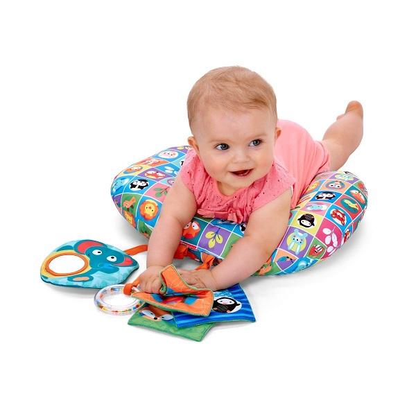 رشد مهارت های دستی نوزاد از بدو تولد تا شش ماهگی