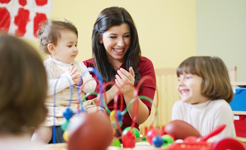 عادت دادن کودک دیگران