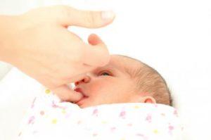 اعمال-ناخودآگاه-و-خودآگاه-نوزاد-مکیدن