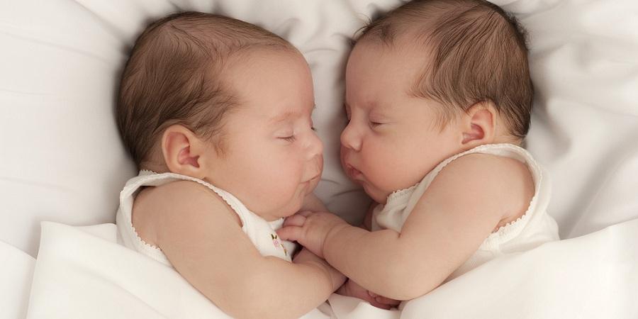 مشکلات جنینی و نوزادی در بارداری دوقلویی